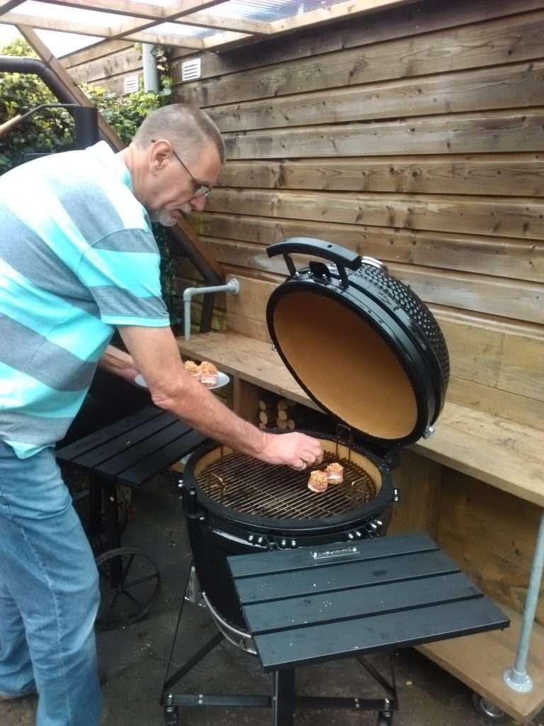 Eddie van Aken using a Kamado grill
